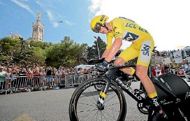 ?? PHOTO: GETTY IMAGES ?? Team Sky rider and yellow jersey holder Chris Froome in action during the 22.5km individual time trial at the weekend.