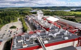 ?? FOTO: JUSSI NUKARI/LEHTIKUVA ?? Skogsbolaget UPM:s planer att lägga ned sin pappersfabrik i Kaipola, Jämsä har underblåst en debatt om de finska arbetskraftskostnaderna och industriarbetarnas anställningstrygghet.