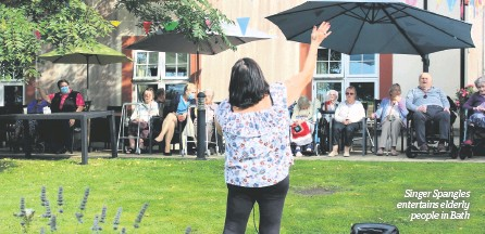 ??  ?? Singer Spangles entertains elderly people in Bath