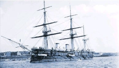 ?? SHINIL GROUP ?? The Russian Imperial Navy cruiser Dmitrii Donskoi carried a full set of sails and a coal-fired steam engine.