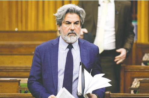 ?? Blair Gable / REUTERS ?? Government House leader Pablo Rodriguez sought Monday to limit debate on a bill giving more flexibilit­y to qualify for employment insurance. Canadians are watching to see if parties will work together to pass it, he said.