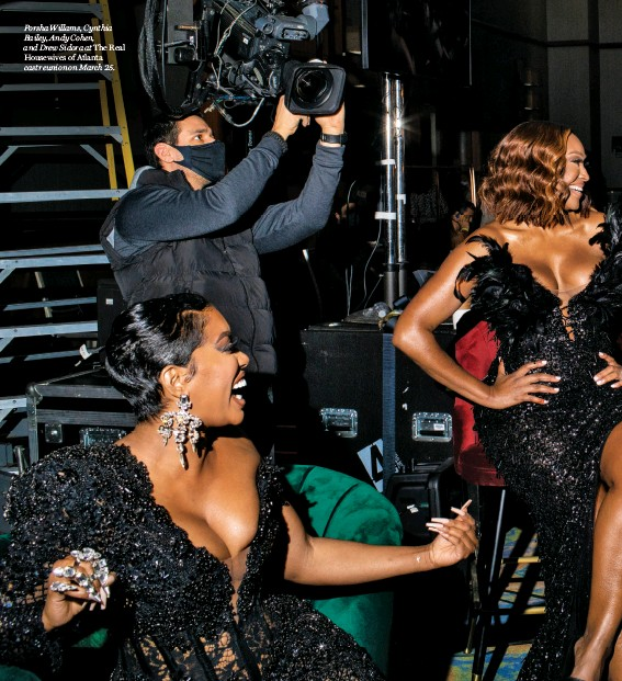 ??  ?? Porsha Willams, Cynthia Bailey, Andy Cohen, and Drew Sidora at The Real Housewives of Atlanta cast reunion on March 25.