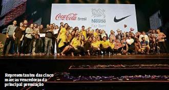 ?? Fotos Eduardo Anizelli/Folhapress ?? Representantes das cinco marcas vencedoras da principal premiação