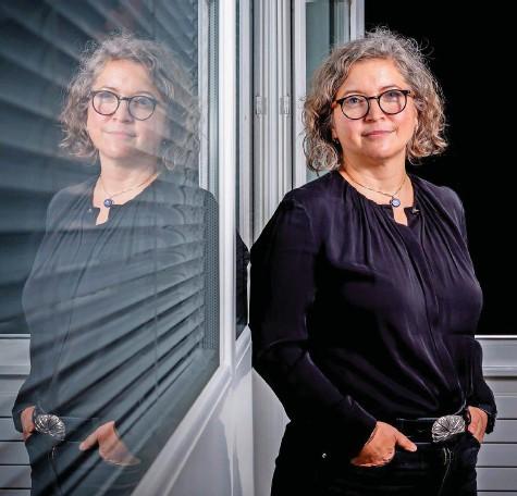 ?? Foto: Magali Girardin ?? «Eine Impfung ist letztlich ein medizinischer Eingriff»: Samia Hurst.