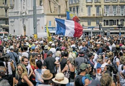 ?? FOTO AFP ?? Miles de ciudadanos fanceses participaron de movilizaciones ciudadanas durante mayo y junio de este año para pedirle al Gobierno más contundencia en las medidas climáticas.