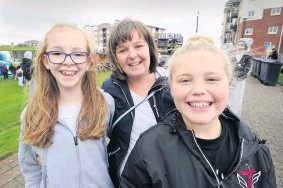 ??  ?? Say cheese Riddicks Leanne Walker, centre, with her daughter Amy, left and niece Bailey