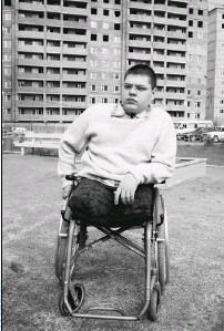 ??  ?? За время каникул Андрей Сычев надеется научиться ходить с помощью протезов