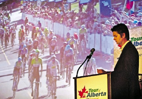 ?? ED KAISER/ Edmonton Journal ?? Duane Vienneau, executive director of the Tour of Alberta, announces that Stage 4 finishes in Jasper National Park during a news conference Wednesday at the Garneau Theatre. The stage concludes with an uphill grind from Jasper to Marmot Basin.