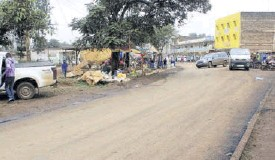 ?? /ALICE WAITHERA ?? The newly re­car­peted road in Maragua town