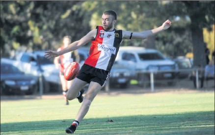 ?? Lion hearted: Alex Mitchell ?? Benalla's Nick Warnock was fearless against Euroa on Saturday. Picture:
