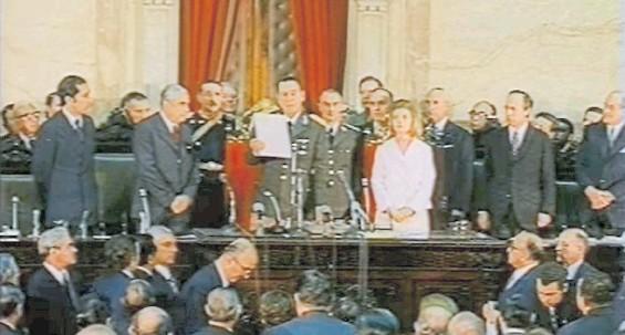??  ?? Tercer mandato. Perón ganó las elecciones de septiembre de 1973 y asumió poco después. Estaría menos de un año, murió el 1° de julio de 1974.
