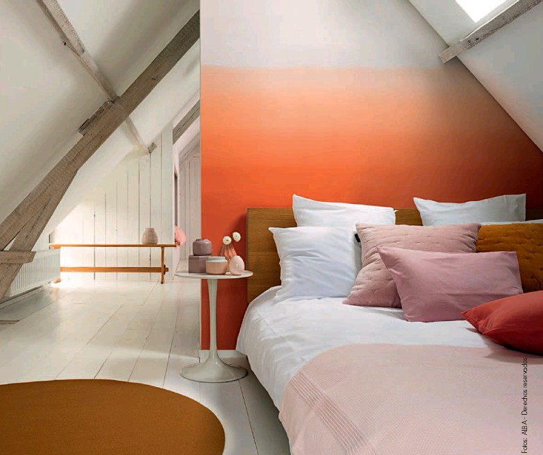 ??  ?? El color une o divide espacios. La forma de combinar las paletas puede lograr continuidad o crear áreas focales definidas.