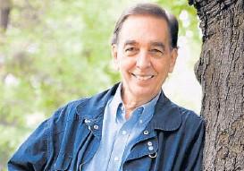 ??  ?? Jorge Luján. Escritor y cantante de trayectoria internacional.