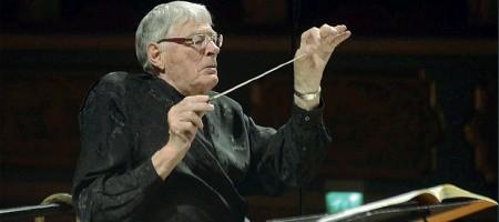 ??  ?? Sul podio Il grande direttore di Salisbury (laureato anche in Medicina a Cambridge), Jeffrey Tate dirigerà l'orchestra Haydn e gli allievi dei due conservatori di Trento e di Bolzano insieme