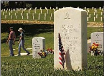 ??  ?? DECADES after his death, Cruz was finally laid to rest last month at Los Angeles National Cemetery in Westwood.