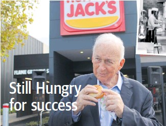 ?? Picture: Nadia Budihardjo ?? Founder Jack Cowin with a Yumbo at Hungry Jack's Innaloo.