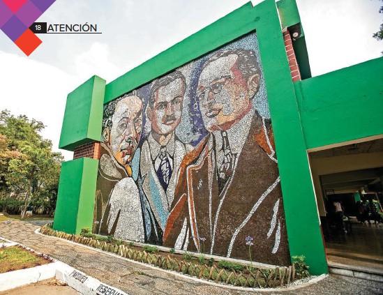 ?? Foto: Hemeroteca PL ?? Los maestros Rafael Rodríguez Padilla, Jaime Sabartés y Hernán Martínez Sobral, plasmados en un mural del edificio de la ENAP.