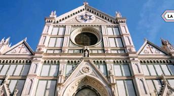 ?? La facciata della basilica di Santa Croce a Firenze. ??