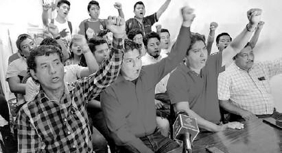 ?? /RUBÉN ZÚÑIGA ?? Estudiantes de la escuela normal Doctor Manuel Velasco Suárez denunciaron actos de hostigamiento de autoridades estatales y federales
