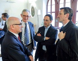 ??  ?? Istituzioni Da sinistra Manzana, Segatta, Simoni (Fbk) e Spinelli