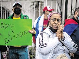 ??  ?? Desde diferentes lugares del mundo, ciudadanos cubanos han salido a marchar y a expresarse a favor de las protestas ocurridas en los últimos días contra el Gobierno de ese país.