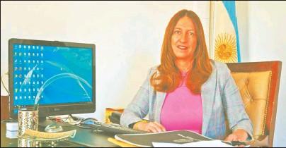 ??  ?? NOEL COSTA. La vocal del TOF2 propone designar a una mujer policía como custodia. Sostiene que, además de sumar presencia femenina, sería una forma de reivindicar a la víctima, Miriam Beatriz Farías.