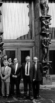 ?? Foto Joco Žnidaršić ?? Prva demokratično izvoljena slovenska vlada Lojzeta Peterleta.