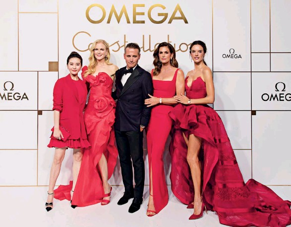 ??  ?? THE STARS ALIGNED Raynald Aeschlimann, the president and CEO of Omega believes that the new Constellation 'Manhattan' deserves the quadruple star power of Liu, Kidman, Crawford and Ambrosio