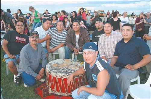 ?? KENYON WALLACE/Saskatoon Star-Phoenix ?? The Wild Horse Singers, a drumming group from North Battleford, has developed a reputation for excellence on the powwow circuit.