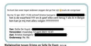 ?? FOTO RR ?? Mailwisseling tussen Xristos en Sofie De Vuyst.