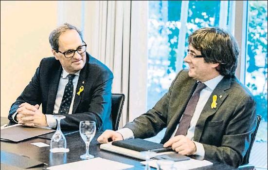 ?? MARKUS HEINE / EFE ?? Quim Torra y Carles Puigdemont se vieron en Alemania por segunda vez desde que el primero fue investido