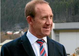 ??  ?? Labour's Andrew Little, who beat cancer himself, says the party will establish a National Cancer Agency if elected.