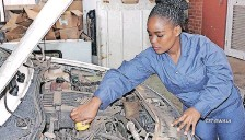 ??  ?? CONSTABLE Thulile Gwala is not just an ordinary mechanic but also a qualified diesel mechanic.