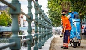 ?? FOTO DIRK VERTOMMEN ?? Onder andere op de Haverwerf stelt zich een probleem van zwerfvuil.
