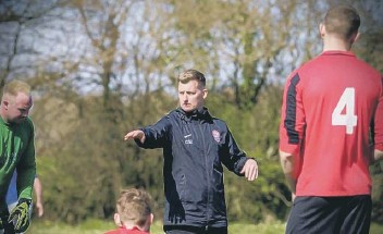 ??  ?? Chairman of Billingshurst FC's youth section Colin Mackay