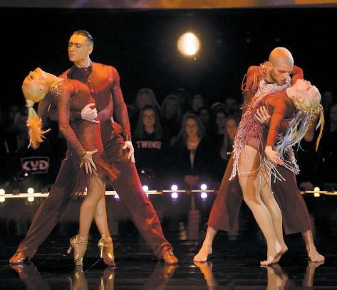 ?? – PHOTO OSA IMAGES/COURTOISIE ?? Kyô, Misha et Yulia ont offert une performance surprenante hier.