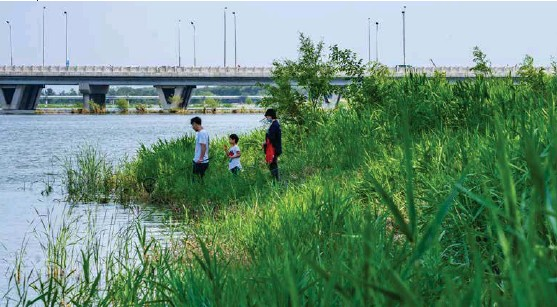 ??  ?? 1 2 34 1-4. Miyun Reservoir 2. Baifu Sping in Changping 3. Yongding River