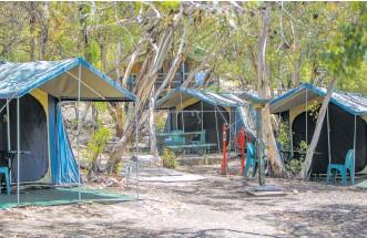 ?? Picture: Kelsey Reid ?? Woody Island camping is popular over the warmer months.