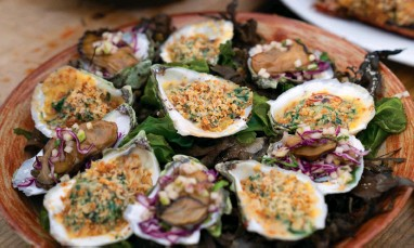 ??  ?? Gordon Ramsay's Maine Oysters Rockfeller, a classic dish with rich green-coloured sauce that's named after the richest man of the day John D. Rockefeller.
