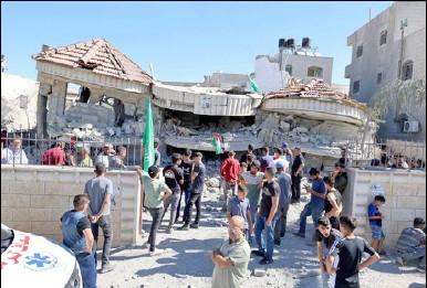 ??  ?? منزل الأسير نزار الشلبي تحول ركاما بعد ما نسفه الاحتلال