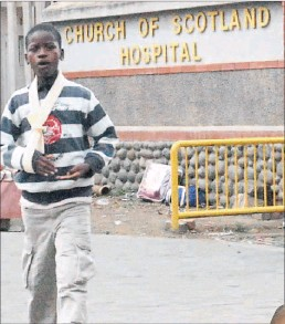 ??  ?? A young patient leaves the Church of Scotland Hospital in Msinga.