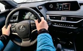 ??  ?? Það er vel hannað maelaborð sem maetir manni í Lexus UX 300e.