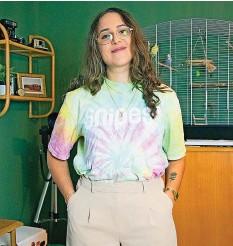?? PRVIAT ?? Comedian Noeliavid (22) liebt Secondhand-sachen.
