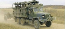 ??  ?? The Canadian Army has been using its older vehicles as well as commercial trucks, modified for military use.