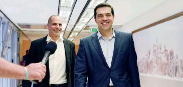 ?? AFP ?? Atene. Il premier greco Alexis Tsipras (a destra) e il ministro delle Finanze Yanis Varoufakis