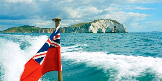 ??  ?? B E L O W British boats heading across the Channel will need to complete the correct paperwork from now on