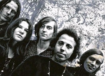 ?? Courtesy photo ?? Big Brother and the Holding Company included, from, left James Gurley, Janis Joplin, Sam Andrew, David Getz and Peter Albin.