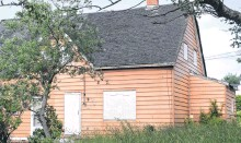 ??  ?? This property at 34 Dominion St. in Dominion, with a starting bid of $10,105.40, is up on the Cape Breton Regional Municipality property tax sale for immediate ownership for the winning bidder.