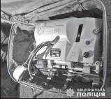 ??  ?? Полиция изъяла у злоумышленников устройство, с помощью которого грабители изготавливали ключи от ячеек