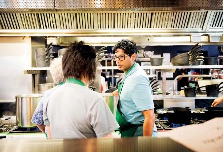??  ?? In the Masterchef kitchen: Ray with fellow contestants. Pix courtesy Endemol Shine Australia 2017